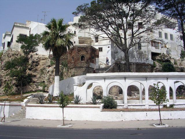 صور من أنحاء مدينة تطوان بالمملكة المغربيّة 1428195458.jpg
